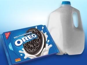 Oreo-Cookies-Milk